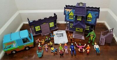 Scooby Doo Mystery Mansion Playset Toy Figures Mystery Machine Lot Pirate Fort