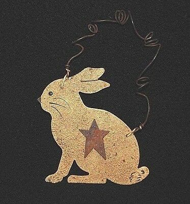 "2-3/4"" Painted Rusty Rabbit Ornament w/ Rusty Star - Primitive"