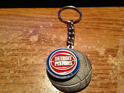 Detroit Pistons Pewter Keychain Vintage Nba Basketball / Real Pics / Wrongway052