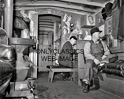 1943 RAILROAD TRAIN CABOOSE MEN AT WORK 8x10 PHOTO PINUP CALENDARS CHICAGO & NW
