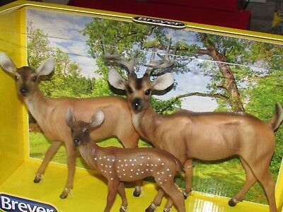Breyer Traditional 3 pc. Deer Family #1734 Ages: 8+  Traditional Scale: 1:9 NIB!
