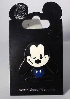 Disney Pins  *  YOUNG MICKEY   *   Single NEW on Card
