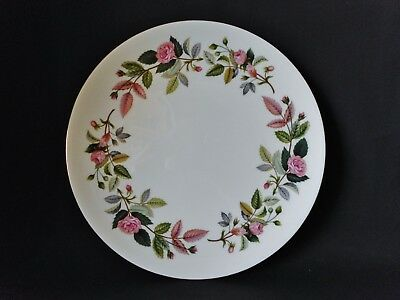 WEDGWOOD HATHAWAY ROSE 240mm CAKE PLATE - GREAT CONDITION