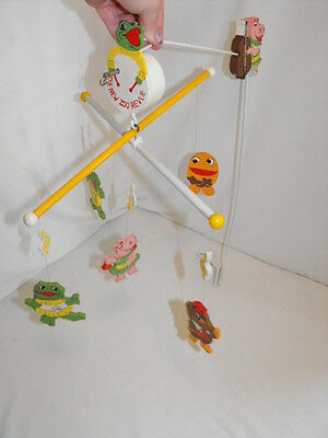 Rare Vintage The New Zoo Revue 1975 Crib Playpen Musical Mobile COMPLETE Toy