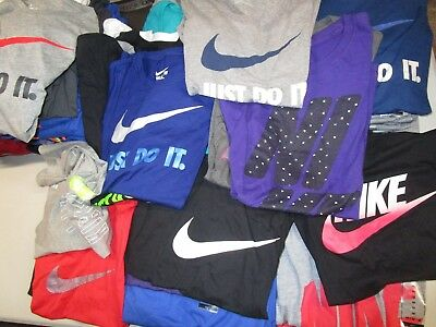 Huge Assortment Women's Nike Graphic Ss T-Shirts Variety Of Sizes And Colors Nwt