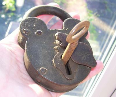 Magnificent Large Heavy Antique Victorian Iron Metal Padlock w Key Working 283G