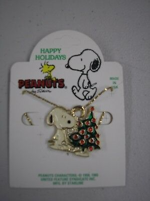Peanuts Snoopy Christmas Enamel Pendant on Gold Chain MIP.