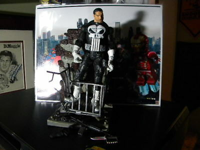 The Punisher Toybiz Series IV Marvel Legends Loose Figure