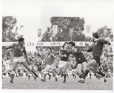 Original Press Photo Queensland v France 14.6.1981 B Moon & P Mesny 10x8in (1)