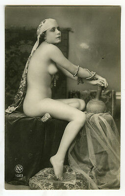 1920s Vintage Sexy French EXOTIC NUDE BEAUTY Deco pose Beads photo postcard