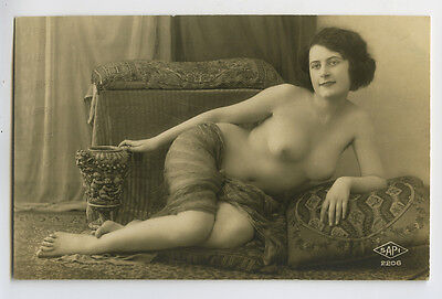 1920s French Nude SEXY SHAPELY FLAPPER  risque deco photo postcard