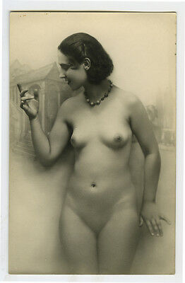 1920s Sexy French NUDE FLAPPER Beauty Glamor Glamour photo postcard