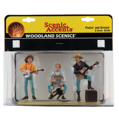 Woodland Scenics – Scenic Accents –G Scale – Pickin' and Grinnin' Plastic Figure