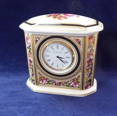 Small collectable Wedgwood mantle clock ##BAK72BS