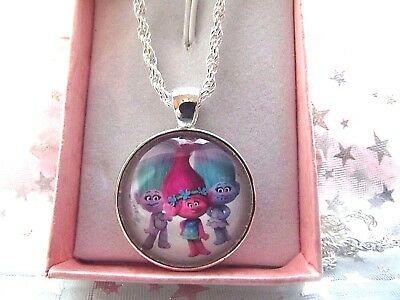 Trolls Poppy Pink ,Twins Satin Chenille Necklace 18 Inch Gift Box Birthday Party
