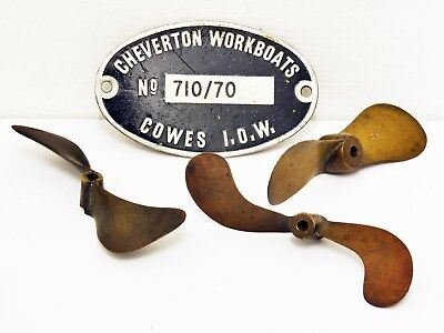 Vintage Metal CHEVERTON WORKBOATS Plaque & 3 Small Brass Propellers, Cowes Wight