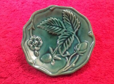 Beautiful Antique Majolica Strawberries & Leaves Green Butter Pat c.1800's