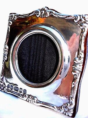 Lovely Finest Quality 999 Hallmarked Silver London & Britannia Photograph Frame.