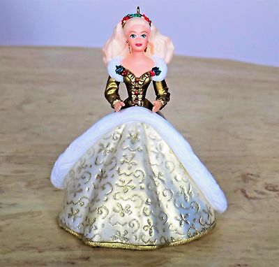1994 Hallmark HOLIDAY BARBIE SERIES Ornament #2 IN SERIES New in Box