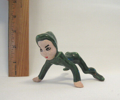 "VINTAGE 1950s CERAMIC CHRISTMAS PIXIE ELF 5"" LONG GREEN ON ALL FOURS"