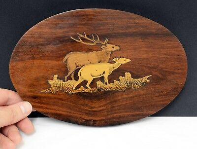 Gorgeous Vintage Inlaid Wooden Oval Plaque Depicting Deer - 23cm in Width.