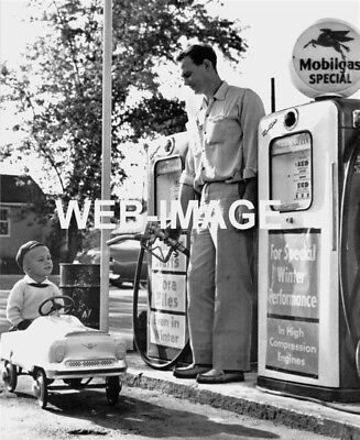 1950's CUTE BOY IN PEDAL CAR AUTO MOBIL GAS OIL STATION GLOBE PUMP SIGN PHOTO