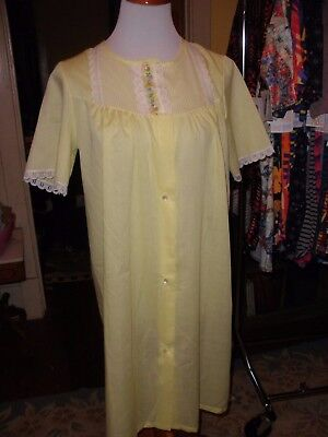 Vintage Yellow Batiste Duster Robe Housecoat  Never Worn M