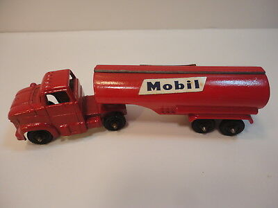 Tootsietoy Mobil Oil Tanker 4 1/4 Inch Nice Clean Cond