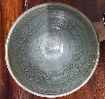 ANTIQUE 16thc LARGE SUKHOTHAI  CELADON  SI SATCHANALAI  PEDESTAL  OFFERING BOWL