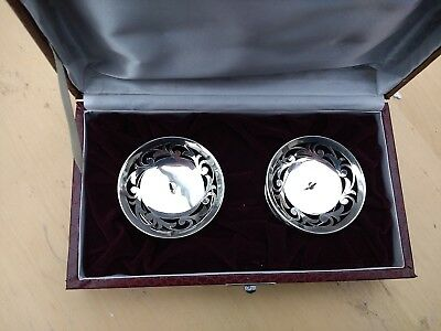 Velvet lined cased pair of short silver candlesticks / holders : silver candle