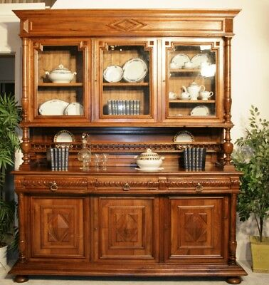 prachtvolles antikes buffet kredenz in edlem nussbaum. Black Bedroom Furniture Sets. Home Design Ideas