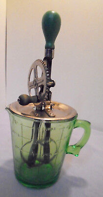 """Measuring 4 Cups Green Pitcher, Handle, Spout, A & J Beater 5.75"""" Tall Vintage"""
