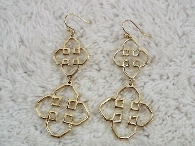 Goldtone Asian Design Pierced Earrings (D70)