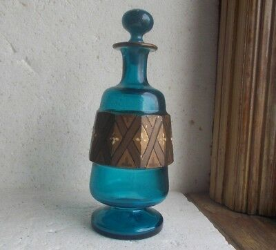 1880s BEAUTIFUL TEAL BLUE PONTILED COLOGNE BOTTLE WITH STOPPER GOLD PANELS