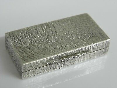 EXQUISITE HAND WORKED BARK EFFECT SOLID STERLING SILVER SNUFF PILL BOX - 42.4g