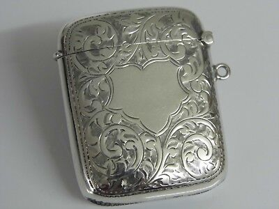 A SUPERB LARGE ANTIQUE EDWARDIAN SOLID STERLING SILVER VESTA CASE - 1910 - 40.6g