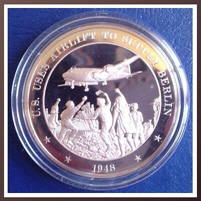 1948 - BERLIN AIRLIFT: U.S. Uses Airlift to Supply Berlin  - Solid Bronze Medal