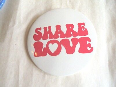 Cool Vintage Canada Dry Ginger Ale Share Love Soda Advertising Slogan Pinback