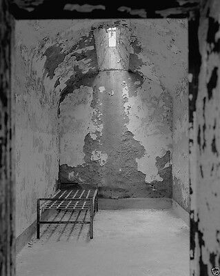 Inside Al Capone's prison cell at Eastern State Penitentiary New 8x10 Photo