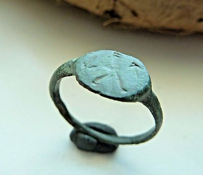 Old bronze ring  (137).