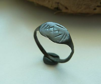 Old bronze ring  (158).