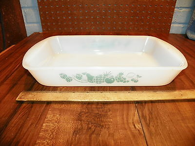 Vintage GLASBAKE Fruit Design 2 1/2 Qt. Baking Casserole Dish #J263            !