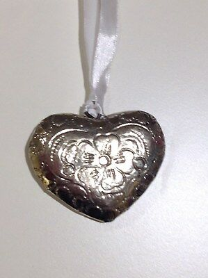 New Vintage Embossed Heart Decoration - Metal Bn