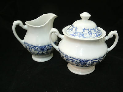 Vtg Meakin FORUM Blue on White Classic Creamer & Sugar Bowl with Lid England EC