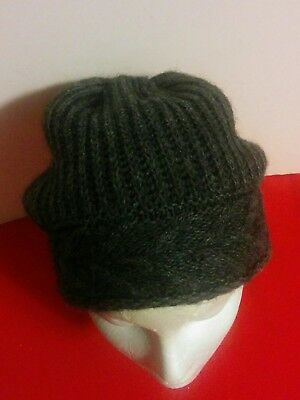 1ce674490e7 Beautiful Designer FRATELLI TALLI Ladies Wool Knit Hat One Size ITALY