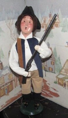 Byers Choice Caroler New England Exclusive Minuteman with Rifle 2001  *