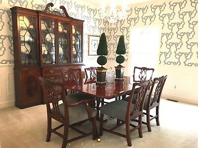 Kindel Chippendale Mahogany Dining Table 6 Carved Chairs 4 Leafs Excellent Cond.