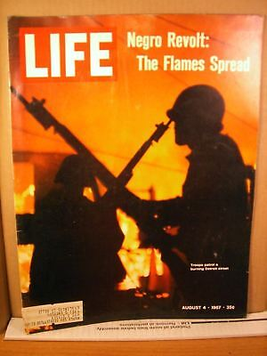 Life Magazine August 4 1967 Detroit: The Flames Spread