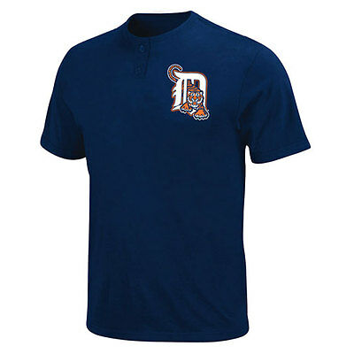 Detroit Tigers 2 Button Officially Licenced MLB T shirt