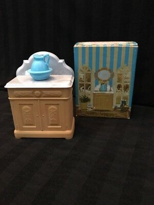 Avon Vintage Victorian Washstand Field Flowers cologne New Old Stock